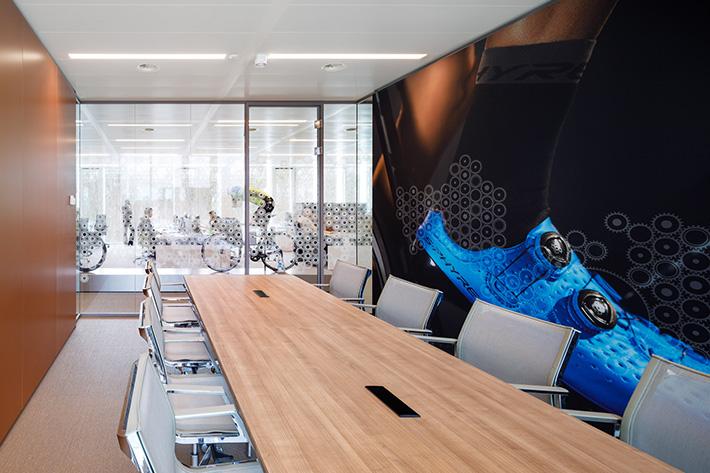 Horizon Creative interior graphics design Shimano